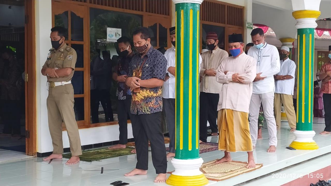 Sholat Ashar Berjamaah bersama Forkopinda Kabupaten Karanganyar di Masjid Al Falaq, Gaden